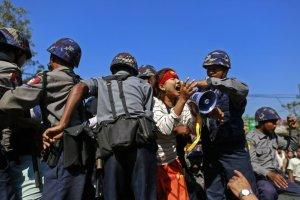 myanmar-student-protest-crackdown